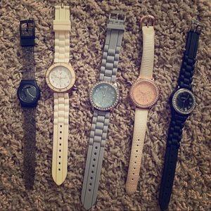 Accessories - 5 Fashion Watches 💙